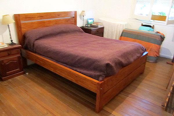 Placares a medida vestidores modernos en zona oeste norte for Dormitorio moderno de madera maciza