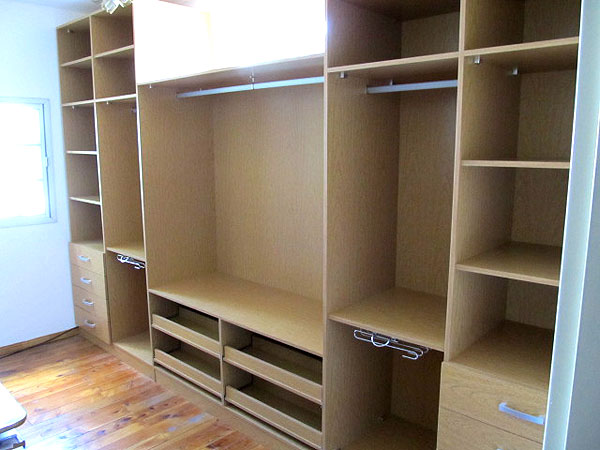 Placares a medida vestidores modernos en zona oeste norte for Software para fabricar muebles de melamina