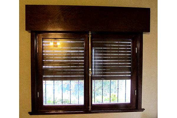 Aberturas de madera zona oeste norte puertas ventanas for Fabrica de aberturas de madera
