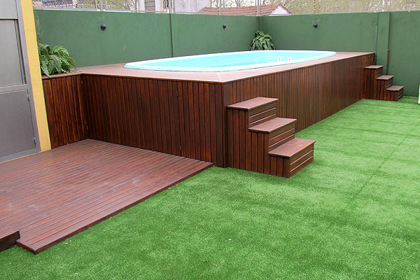 Decks de madera para exteriores piletas piscinas zona for Ladrillos para piletas
