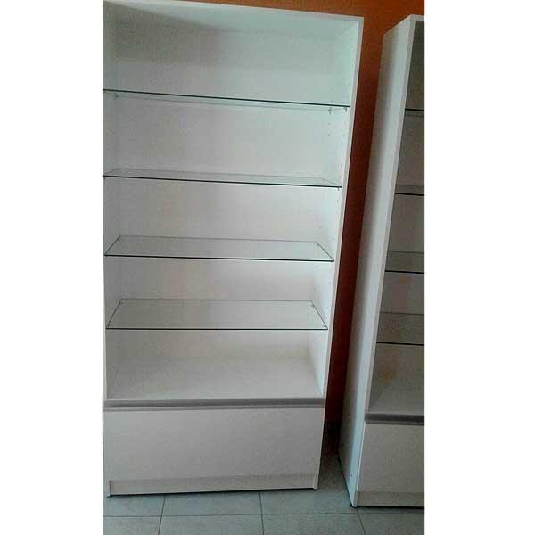 Muebles para local de ropa decks de madera para exteriores for Muebles de cristal