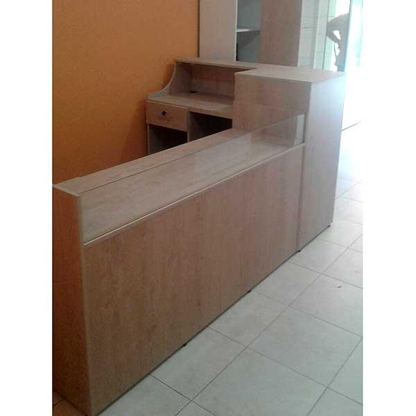 Mostrador para negocio de madera for Muebles de oficina usados en rosario